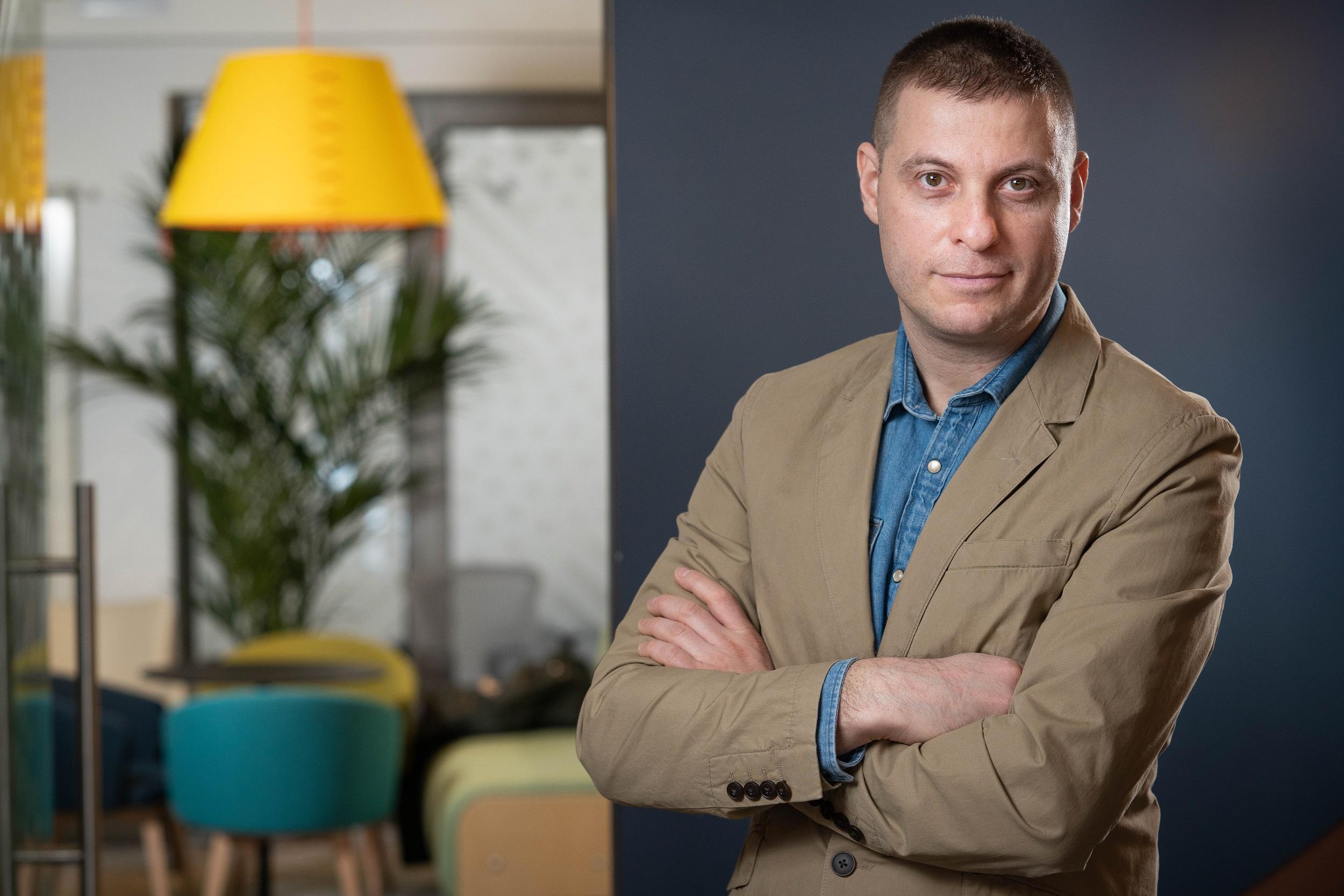Arthur Radulescu_MerchantPro_shopmania