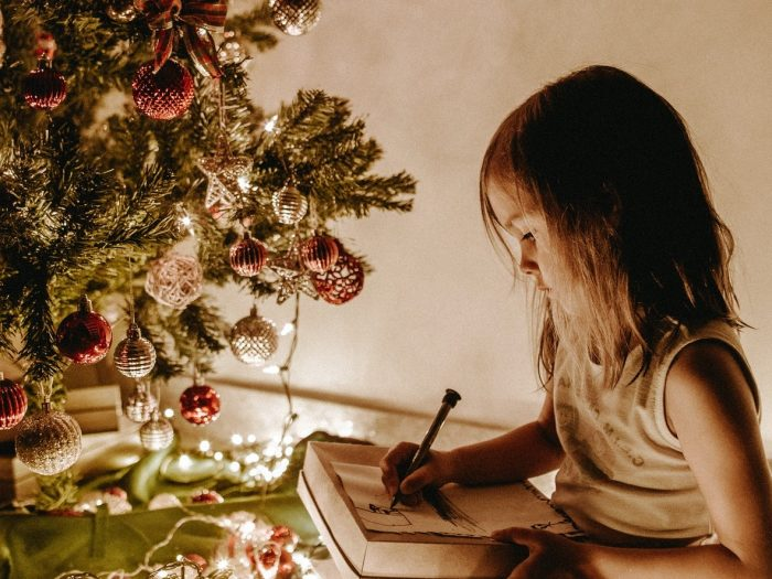 TOP 10 cele mai vândute cărți de Crăciun de la DPH