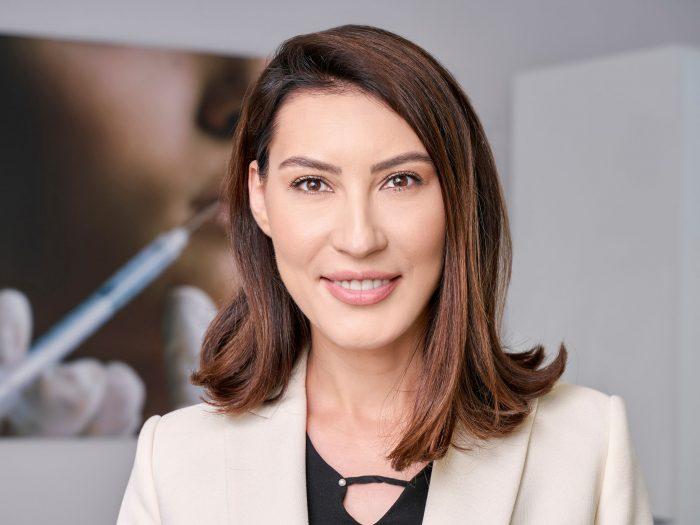 Alexandra Crâșmaru, Clinica Illuma
